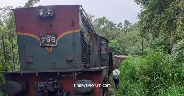 Badulla Kandy Mixed Train Derailed Near Hali-Ela