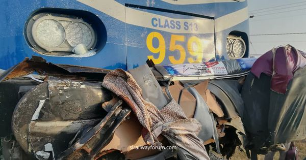 Uttara Devi Express Train and Bus Collide Near Jaffna