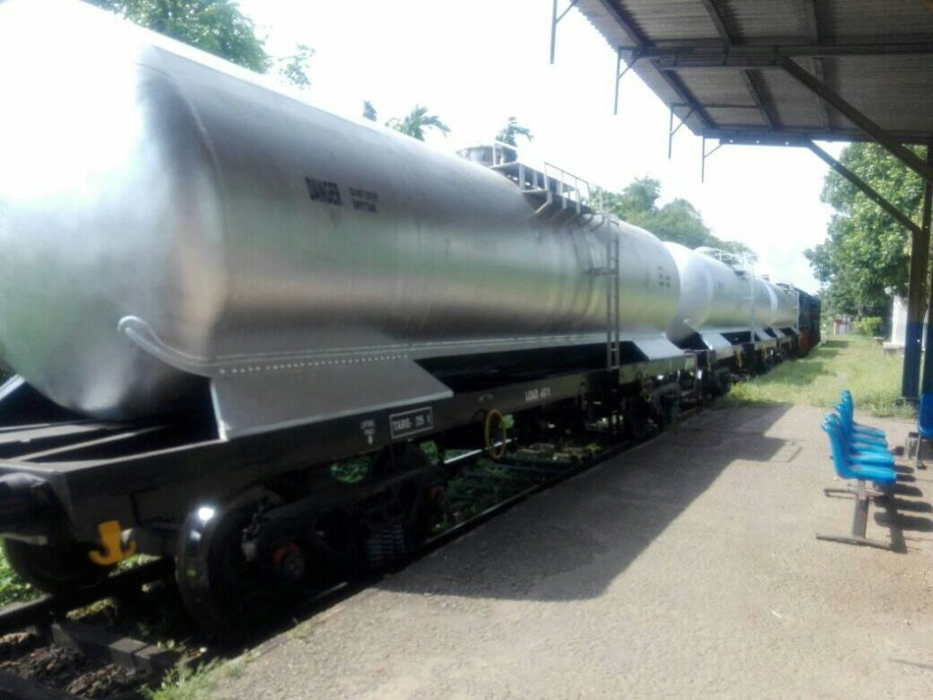Trial-Run-of-Recently-Imported-Tank-Cars-3